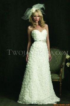 Vestidos de noiva Allure 8924 Bridals