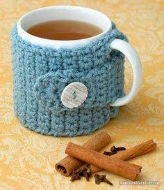 Easy Crochet Cozy with FREE Pattern, thanks so xoxMeatIsNotASideDish Wassail Recipe amp; Easy Crochet Cozy with FREE Pattern, thanks so xox Crochet Coffee Cozy, Crochet Cozy, Crochet Gifts, Diy Crochet, Cozy Coffee, Coffee Cozy Pattern, Coffee Latte, Starbucks Coffee, Coffee Shop