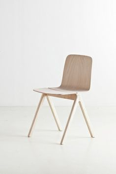 Copenhague Chair. Beech Veneer.