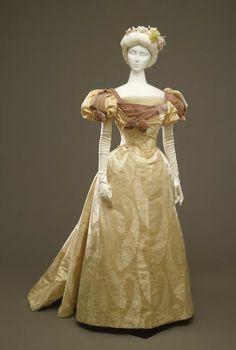 Worth evening dress ca. 1896-97
