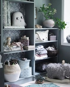 Got to love a flat pack that turns into a piece of furniture like this. With some paint and gorgeous items on the shelves this IKEA bookcase looks great! Rooms Home Decor, Home Decor Trends, Cheap Home Decor, Todler Room, Bedroom End Tables, Ikea Bookcase, Kids Corner, Nursery Wall Decor, Home Interior Design