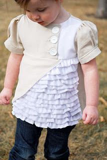 country ruffle top tutorial by shwin & shwin Adorable! Diy Clothing, Sewing Clothes, Clothing Patterns, Sewing Patterns, Clothing Accessories, Baby Kind, My Baby Girl, Sewing For Kids, Baby Sewing