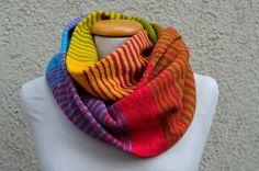 handgefärbte-Wolle-Strickpackung Loop Lebensfreude, Hightwist, Wollträume, Traumsterne, handgefärbt, handgefaerbte Wolle, selbstgefaerbte Wolle