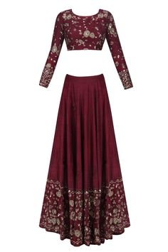 Astha Narang presents Maroon and gold threadwork and sequins lehenga set available only at Pernia's Pop Up Shop. Pakistani Dresses, Indian Dresses, Pakistani Suits, Bridal Lehenga Online, Dress Indian Style, Indian Wear, Indian Bridal Outfits, Royal Dresses, Kurti Designs Party Wear