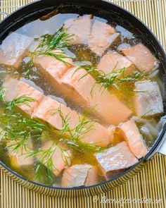 Inkokt lax är en svensk klassiker. Laxfiléerna läggs i en sjudande lag och får svalna med morot, ättika, lök, kryddnejlikor, lagerblad, dill och salt.  Lätt att förbereda och laga till flera - förvara sedan i kylen till servering. Fish And Seafood, Lchf, Christmas Holidays, Salmon, Food And Drink, Prom Dresses, Cooking, Wine, Christmas Vacation