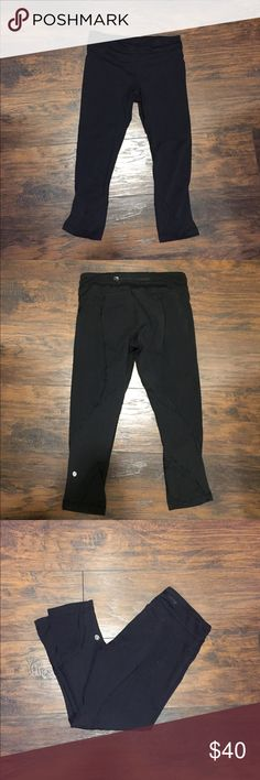 Size 6 Lululemon Run Inspire Crops Good used condition. Minor pilling in crotch area of pants but obviously you can't tell when they're on. Convenient zip pocket on the back of the waistband for cards, headphones, etc. Skinny legging style comparable to the wunder under Crops! lululemon athletica Pants Leggings