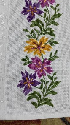 How to Crochet Wave Fan Edging Border Stitch - Crochet Ideas Cross Stitch Borders, Cross Stitch Flowers, Cross Stitch Charts, Cross Stitch Designs, Cross Stitching, Cross Stitch Embroidery, Embroidery Patterns, Hand Embroidery, Cross Stitch Patterns
