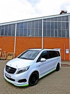 Hartmann installed its Power chip in the Mercedes-Benz V-Class model) to give it an overall 224 PS with 505 Nm of torque. Custom Mercedes, Mercedes Van, Mercedes Benz Vito, Mercedes Models, Fiat Grande Punto, Transit Custom, Van Car, Fiat 600, Camper Van Conversion Diy