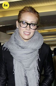 Return of Retro Spectacles in Fashion Cool Glasses, New Glasses, Girls With Glasses, Hilary Duff, Chic Fall Fashion, Fashion Mode, Oprah Glasses, Lunette Style, Fashion Eye Glasses
