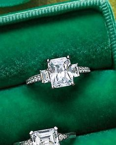 ★ Emerald-Cut Diamond Engagement Ring ★ i freaking love this!!!!