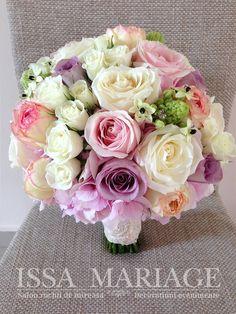 buchet mireasa cu hortezia ros trandafiri roz pal si dantela