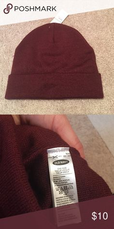 NWT women's old navy hat New with tags Women's maroon hat from old navy. One size. Old Navy Accessories Hats