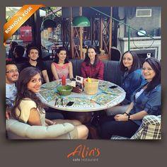 Doğum günü kutlamasına bizi de dahil eden Ege Eczacılık bölümüne sevgilerimizi yolluyoruz :) www.alins.com.tr #alins #izmir #restaurant #cafe #egeeczacılık