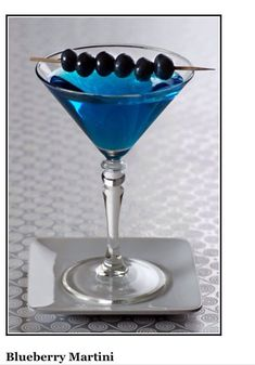 Blueberry Martini, tsp simple oz Blueberry oz of triple sec,Shake and strain into martini glass.Garnish with a skewer of fresh blueberrie Martini Party, Party Drinks, Cocktail Drinks, Fun Drinks, Yummy Drinks, Beverages, Martinis, Vodka Cocktails, Craft Cocktails