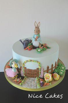 Peter Rabbit cake I made this cake for William`s birthday party. Peter Rabbit Cake, Peter Rabbit Birthday, Fondant Cakes, Cupcake Cakes, Cake Designs For Girl, Rodjendanske Torte, Hedgehog Cake, 3rd Birthday Cakes, Animal Cakes