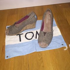 Toms Brown Wedges! Size 7