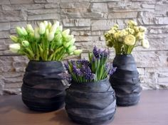 old bicycle tubes diy Design Creation, Creation Deco, Flower Vase Making, Flower Vases, Flowers, Recycled Rubber, Recycled Crafts, Recycled Furniture, Diy Furniture