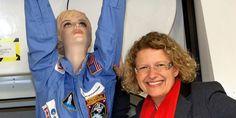 Claudia Kessler will erste deutsche Frau zur #ISS bringen: http://www.issonduty.com/#post117