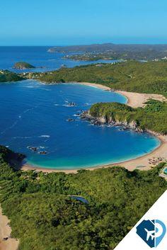Huatulco, Oaxaca es un conjunto de nueve bahías y más de 30 playas para que puedas disfrutar de este lugar paradisíaco de México.