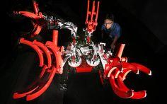 災害対応ロボット「オクトパス」:「手足」8本、縦横無尽の災害ロボット