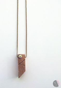 Colar com berloque de madeira da disugro, handmade Design // bronze-farbene Kette mit Holz-Anhänger // jewelry