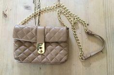 Kate Middleton's Jaeger 'Kate' Leather Quilted Clutch Bag Shoe Shop, Kate Middleton, Her Style, Clutch Bag, Bag Accessories, Chanel, Shoulder Bag, Hats, Leather