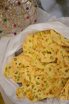 Thin Crispy Almond Biscotti di Nunzia