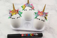These super cute DIY Unicorn eggs are easy to make and a fun easter project for the kids tro enjoy. Get egg decorating today with this tutorial Unicorn Diy, Unicorn Crafts, Magical Unicorn, Easter Projects, Easter Crafts For Kids, Easter Ideas, Art Projects, Egg Box Craft, Cute Egg