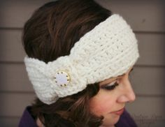 Crochet Headbands Wintertide-Headband-Free Pattern - Wintertide headband is an easy to wear, fashion forward headband… It is a one skein project and is super fast and easy to make! You can dress it up by adding a decorative button too! Crochet Adult Hat, Crochet Beanie, Free Crochet, Knit Crochet, Crochet Turban, Crochet Headband Pattern, Knitted Headband, Crochet Headbands, Headband Baby