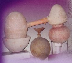 World's Oldest Known Distiller (Used to distill oils) Circa 4000 BCE -- Terracotta -- Photo Credit: Gary Young -- Belonging to The Taxila Museum -- Punjab, Pakistan Bronze Age Civilization, Indus Valley Civilization, Ancient Art, Ancient History, Art Chinois, Art Japonais, Ancient Civilizations, Young Living Essential Oils, Archaeology