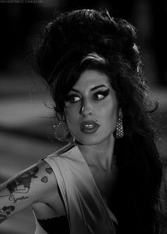Amy Pic Posting for Fun! - Page 923 - Anything Amy Amy Winehouse Style, Amazing Amy, Awesome, Rhythm And Blues, Portraits, Elvis Presley, Camden, Beautiful People, Hollywood Actresses