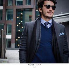 Layers 👌 På tide å friske opp vintergarderoben? photo: @katyadonic  #menswear #menswear_no #mensfashion#oslo #hegdehaugsveien #bogstadveien#tjuvholmen #lysaker #dress #jobb#jobbklær  #fest #viero #slips #suitup#cashmere #coat #babyakpaca #skjerf