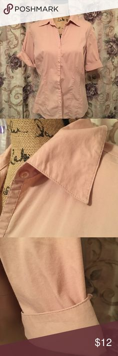 Host Pick! ✨ Ann Taylor Loft Blouse Light pink button down blouse. You can button the top over leave it open as shown. Short roll up sleeves. Pleated front. Bust is 19 1/2 inches. Length is 25 inches. 100% cotton. Everything Plus Size Party Host Pick ✨ 5/6/17 thanks to @hsshall Ann Taylor Tops Button Down Shirts