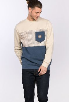 Buy sweatshirts By Kaotiko BCN clothing e-Shop · T-shirts, sweatshirts, trousers, trendy sneakers and streetstyle accessories Casual Wear For Men, Mens Fashion, Fashion Outfits, Winter Wear, Mens Clothing Styles, Hoodies, Sweatshirts, Poses, Menswear