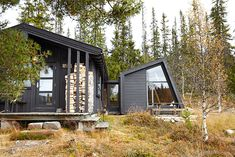 Cabins In The Woods, House In The Woods, Scandinavian Cabin, Little Cabin, House Blueprints, Cabins And Cottages, Building A House, Building Ideas, Architecture Design