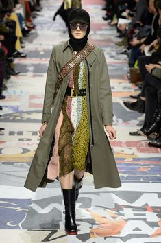 https://www.vogue.com/fashion-shows/fall-2018-ready-to-wear/christian-dior/slideshow/collection#51