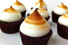 S'mores Cupcakes! http://www.yummly.com/blog/2012/08/10-toasty-smores-you-can-make-indoors/