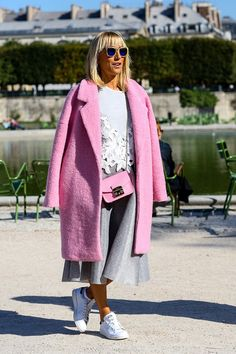A selection of the best street style looks from Paris Fashion Week. Best Street Style, Cool Street Fashion, Street Style Looks, Street Chic, Street Style Women, Paris Street, Street Styles, Fashion Week Paris, Star Fashion