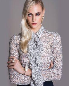 Close na nossa linda blusa, que traz transparência e babados para dar aquele 'up' ao seu visual.  SHOP NOW: http://www.amissima.com.br/