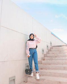 Hijab Casual, Ootd Hijab, Hijab Jeans, Casual Jeans, Casual Outfits, Hijab Fashion Summer, Street Hijab Fashion, Muslim Fashion, Modest Fashion