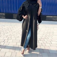 OPEN FRONT PETER OAN COLLAR WITH PEARLS ??  -  Open abaya
