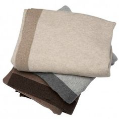 Cashmere knit throw