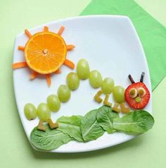 "Cute Snack Idea: The Very Hungry Caterpillar Adorable! It looks yummy for the big kids at heart, too… ""A very healthy Very Hungry Caterpillar fruit plate for kiddos! Would make a cute app or snack for the little ones. Fruit Snacks, Healthy Snacks, Fun Fruit, Kids Fruit, Fruit Food, Healthy Foods, Fresh Fruit, Fruit Salad, Delicious Snacks"