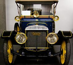 1913 Daimler Type 20 Touring Car Maintenance of old vehicles: the material for new cogs/casters/gears/pads could be cast polyamide which I (Cast polyamide) can produce Ferdinand Porsche, Old Vintage Cars, Antique Cars, Jaguar, Automobile, Car Hood Ornaments, Daimler Benz, Car Wheels, Retro Cars