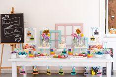 Crayon Birthday Parties, Art Birthday, Birthday Cake Girls, Birthday Ideas, Kids Party Decorations, Party Themes, Party Ideas, Art Party Cakes, Birthday Venues