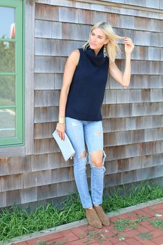 Sleeveless turtlenecks are perfect for this time of year. When it gets a bit colder, I will wear a long sleeve t-shirt underneath and it gives this outfit an entirely different look. Click through for details on this fall transition outfit.