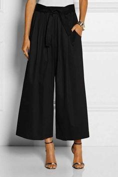 Pantalone culotte neri by Tome. Mode Outfits, Office Outfits, Outfits For Teens, New Outfits, Chic Outfits, Fashion Outfits, Fashion Mode, Love Fashion, Womens Fashion