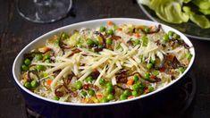 Ať už jsou naše vzpomínky na školní jídelnu dobré, nebo špatné, často vzpomínáme třeba na rizoto. Když ho připravíme, jak se má, vzpomínat budeme jen v dobrém. Cabbage, Vegetables, Food, Essen, Cabbages, Vegetable Recipes, Meals, Yemek, Brussels Sprouts
