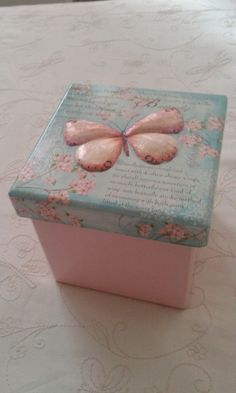 Discover thousands of images about Wooden jewelry box decoupage box shabby chic box by ArtDidi Decoupage Box, Decoupage Vintage, Altered Cigar Boxes, Painted Trunk, Diy And Crafts, Arts And Crafts, Paisley Art, Diy Gift Box, Altered Bottles