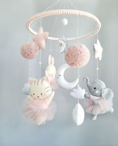 Felt Crafts Diy, Felt Diy, Baby Crafts, Baby Mädchen Mobile, Felt Mobile, Baby Mobiles, Mobiles For Babies, Baby Room Design, Baby Room Decor